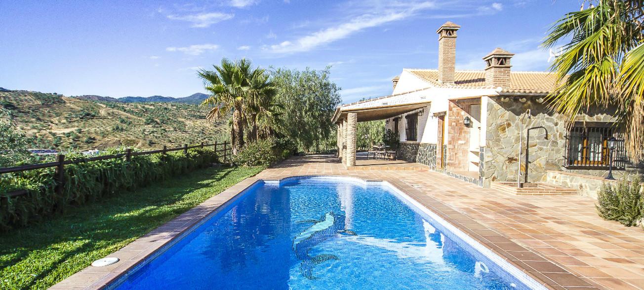 Most booked villas in Malaga. Holiday home in Alozaina